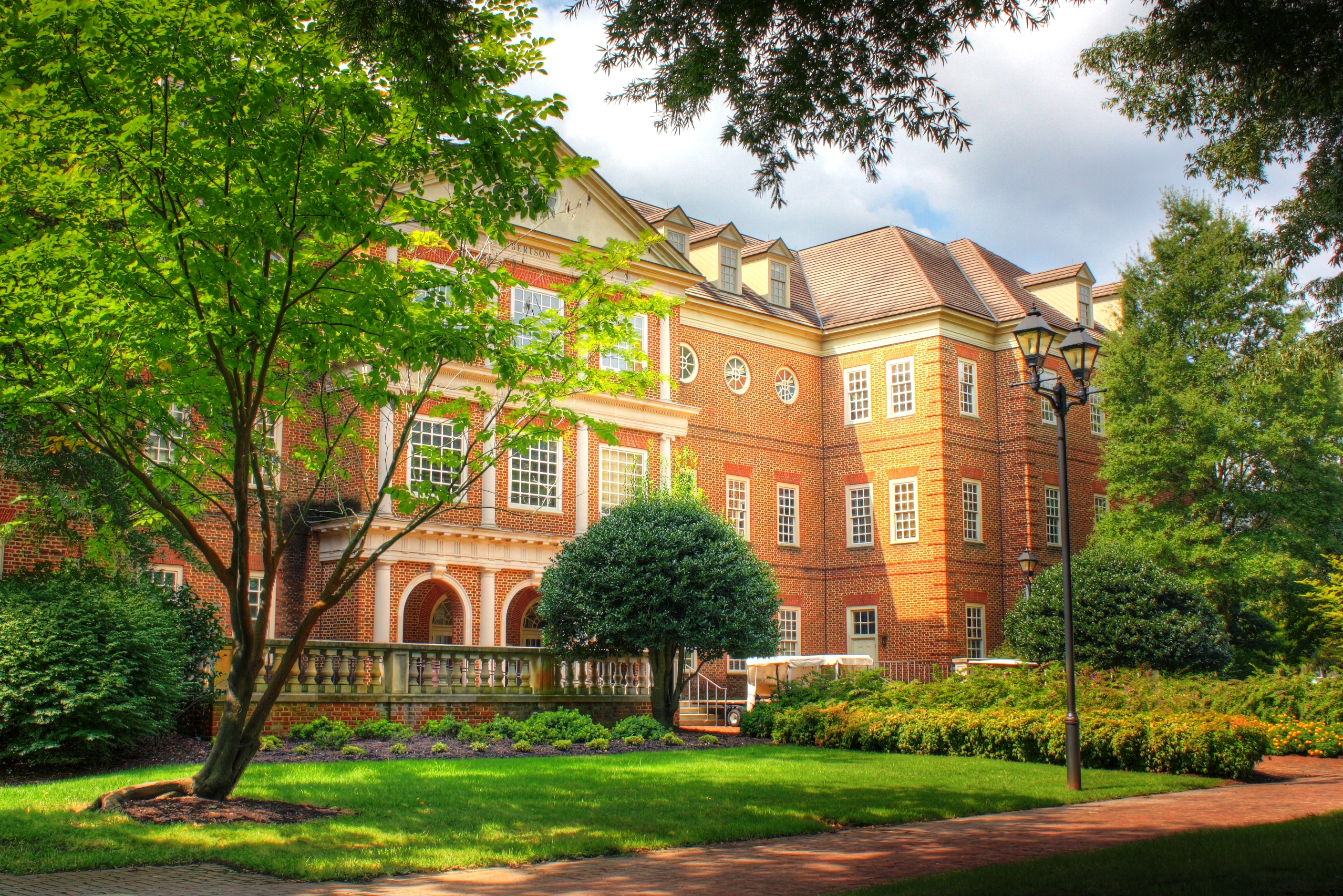 Regent University, School of Global Leadership & Entrepreneurship Distance MBA