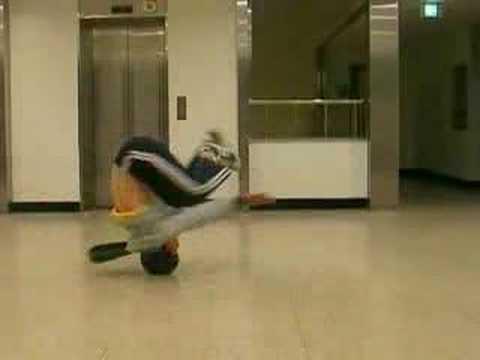 October 2007 - breakdance practice