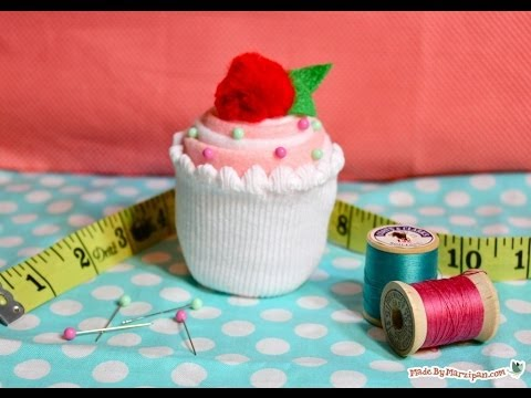 How To Make a Cupcake Pincushion