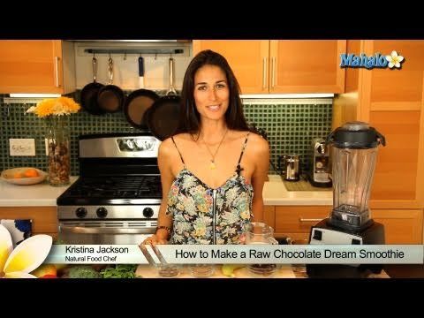 How to Make a Raw Chocolate Dream Smoothie