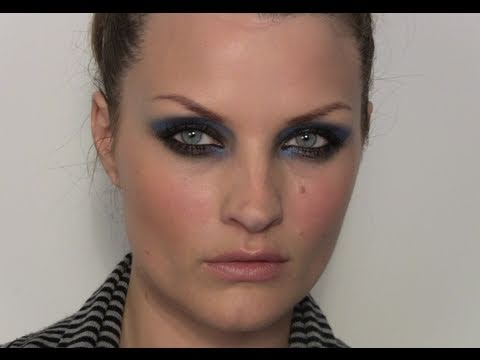 TREND: NAVY SMOKEY EYES MAKE-UP TUTORIAL