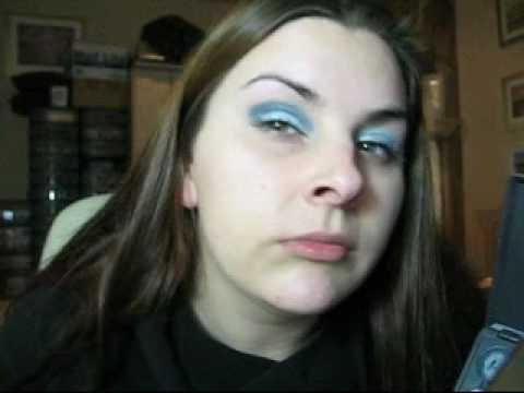 METALIC LIGHT BLUE SMOKEY EYE look w/ MAC make up