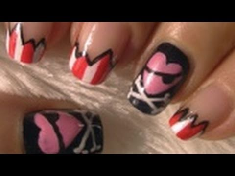 Cute Pirate Halloween Nail Art Tutorial / Arte para las uñas de pirata