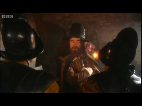 Guy Fawkes' evades capture - BBC