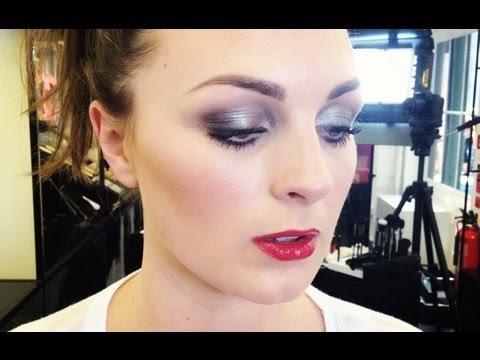 CHANEL 70s SHIMMER MAKE-UP LOOK