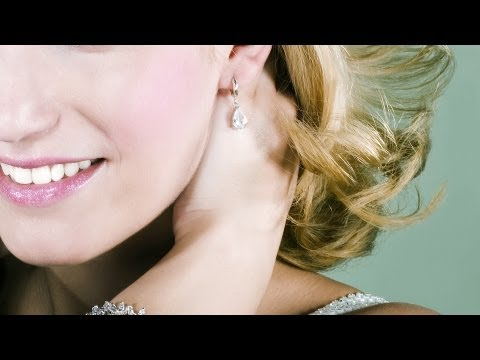 How to Pick the Right Jewelry for Your Outfit | New York Fashion Tips