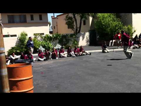 Student ball toss contest