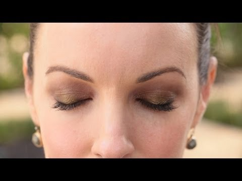 How To Wear a Smokey Eye || KIN BEAUTY