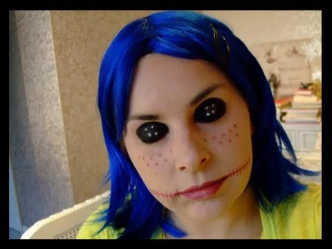 Halloween make up look Coraline creepy doll