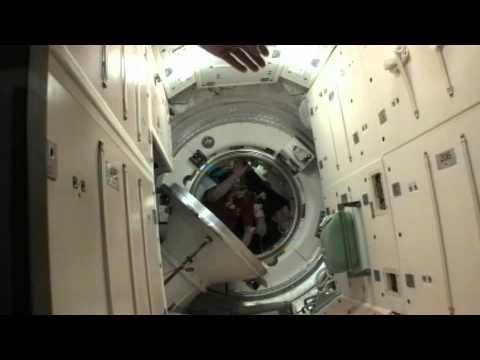 Expedition 25 Trio Closes Hatches, Prepares for Undocking