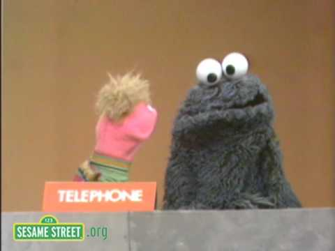Sesame Street: Eating Telephone
