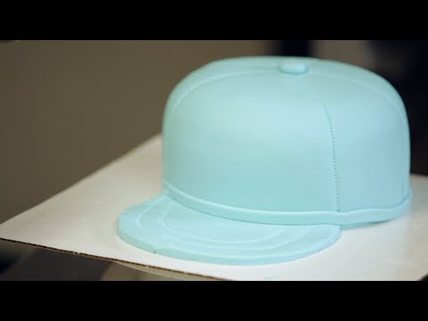 Kids' Birthday Cakes / How to Make a Baseball Cap Cake: Decorating 2/3