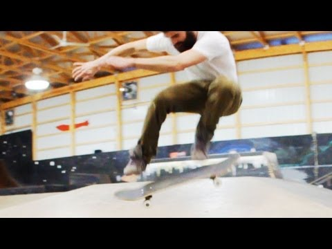 How to Skateboard with Bam Margera:  Advanced Tricks / How to Hardflip
