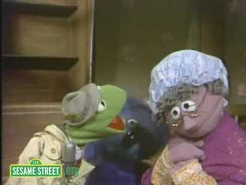 Sesame Street: Kermit Reports News On Mother Hubbard