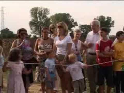 Italian chef Giancarlo attends Tuscan celebration and donkey ride - BBC