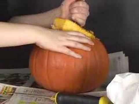 How To Carve A Pumpkin: Taking Lid Off