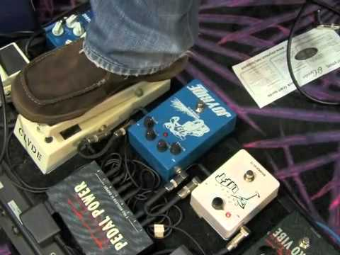 Guitar Lessons Rock Blues Style - Pedals and Effects - Wah pedal techniques