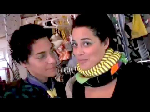 Holiday How-to Make a Dookie Scarf, Threadbanger