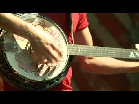 Avett Brothers Make Bluegrass a Family Affair