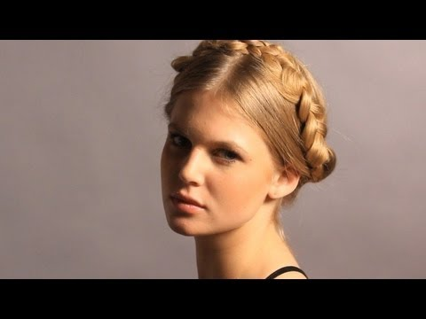 Braid Hairstyles: How to Do a Heidi Braid aka Goddess or Renaissance Braid
