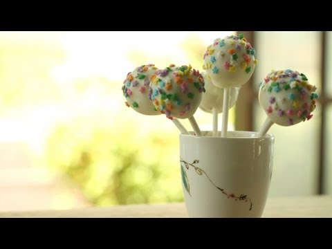 Easy Cake Pops Recipe: How To Make || KIN EATS