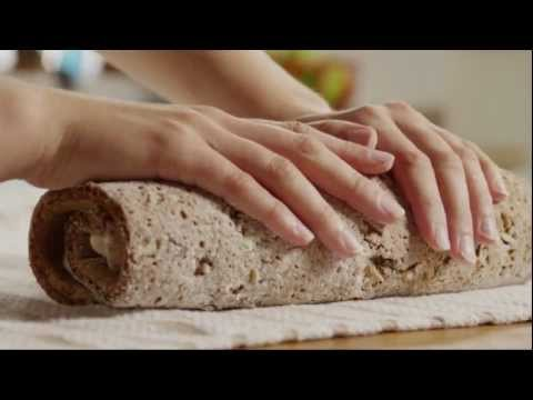How to Make a Delicious Pumpkin Roll