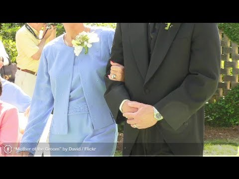 Wedding Attire: Mother of the Groom Dress Tips