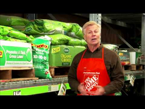 How to Fertilize Your Lawn - The Home Depot