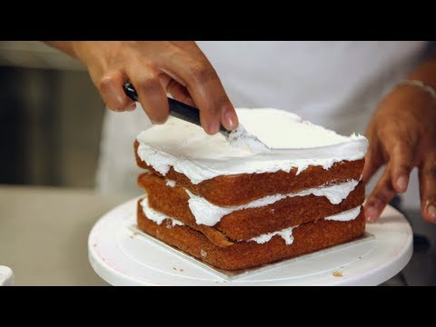 Kids' Birthday Cakes / How to Make a Princess Castle Cake: Assembly 2/2