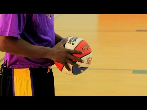 How to Play Basketball: What Are the Different Types of Basketball Passes?