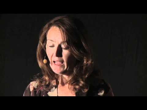 TEDxPannonia 2011 - Oona Strathern - Dreams of the future