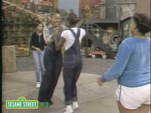 Sesame Street: Double Dutch With Olivia
