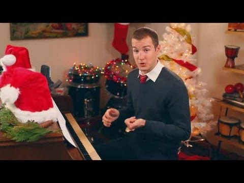"How to Play Christmas Songs on Piano: ""Auld Lang Syne"""