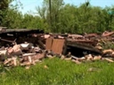 Storm Chasers- Kirksville Tornado Damage 5/13/09