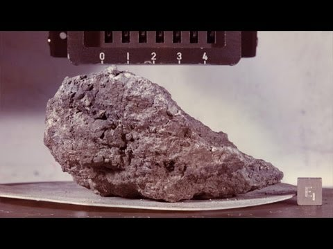 Science Bulletins: Graphite Found in Moon Rocks