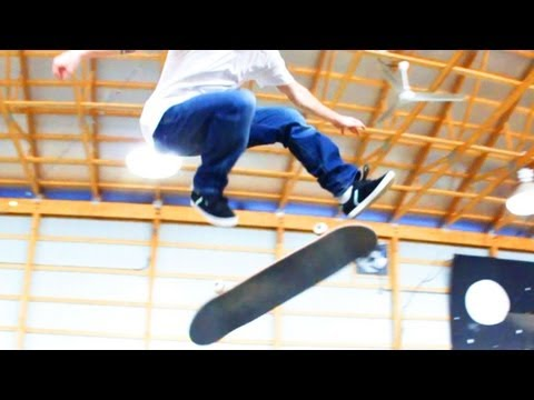 How to Skateboard with Bam Margera: Easy Tricks / 360 Flip