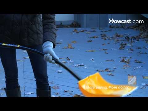 Quick Tips: How to Relieve Back Pain from Shoveling Snow