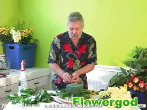 Flower Arrangement: How to Design a Floral Cake, Starting with a Leafy Doily