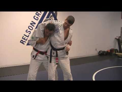 Relson Gracie Jiu-Jitsu Self Defense and Martial Arts Move Demonstration