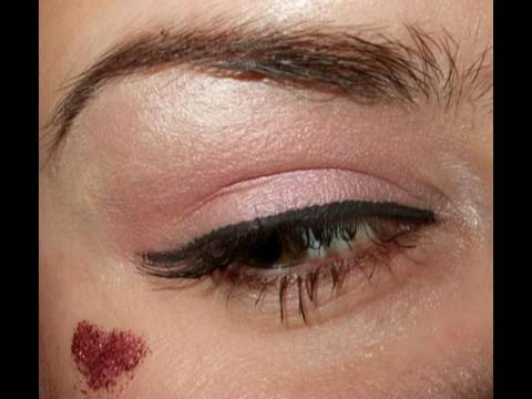 Simple & sexy Valentines day makeup look
