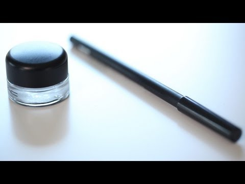 Gel Vs. Pencil Eyeliner || KIN BEAUTY
