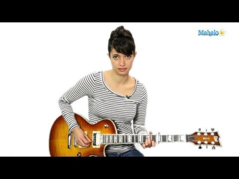 How to Play We R Who We R by Kesha on Guitar