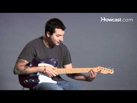 How to Play Guitar: Beginners / Barre Chords: B Major