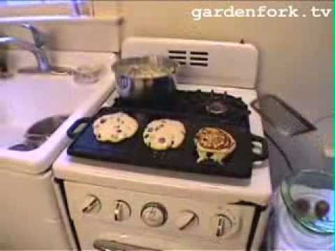 Making Blueberry Pancakes & Cutting Down a Tree GardenFork.TV