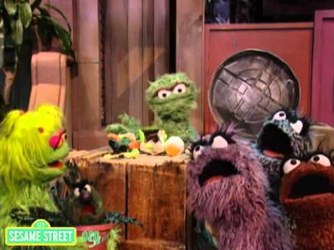 Sesame Street: Oscar's Bein' Green