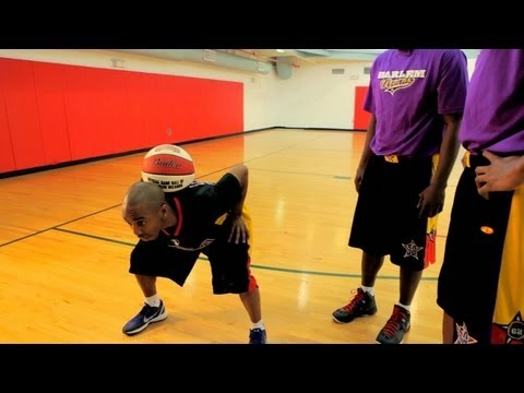 How to Play Basketball: Basketball Tricks / Neck Catch