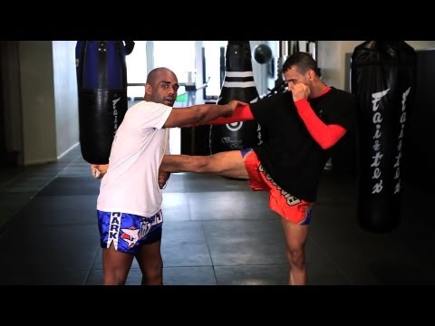 How to Catch a Kick in Kickboxing | Muay Thai Kickboxing | MMA