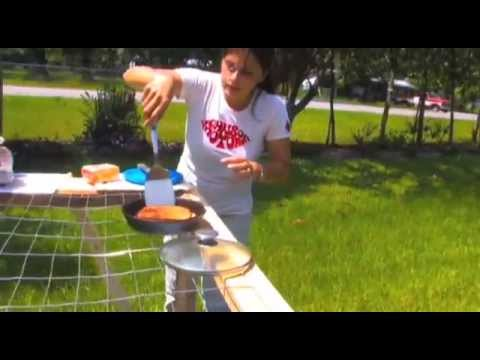 1 MINUTE GRILLED CHEESE SOLAR COOKING Parabolic Mirror Star Powered Grill