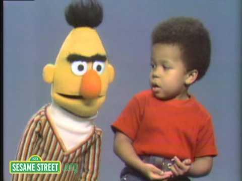Sesame Street: Bert's Lost Paperclips