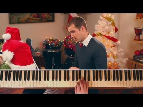 "How to Play Christmas Songs on Piano: ""Carol of the Bells"""